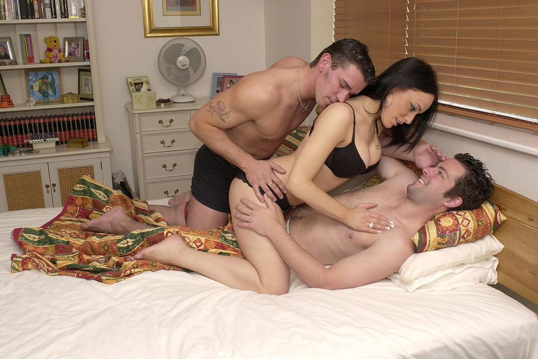 couple threesome video